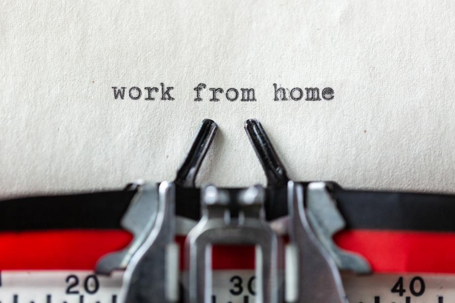 Work from home tips for entrepreneurs or freelancers who work from home