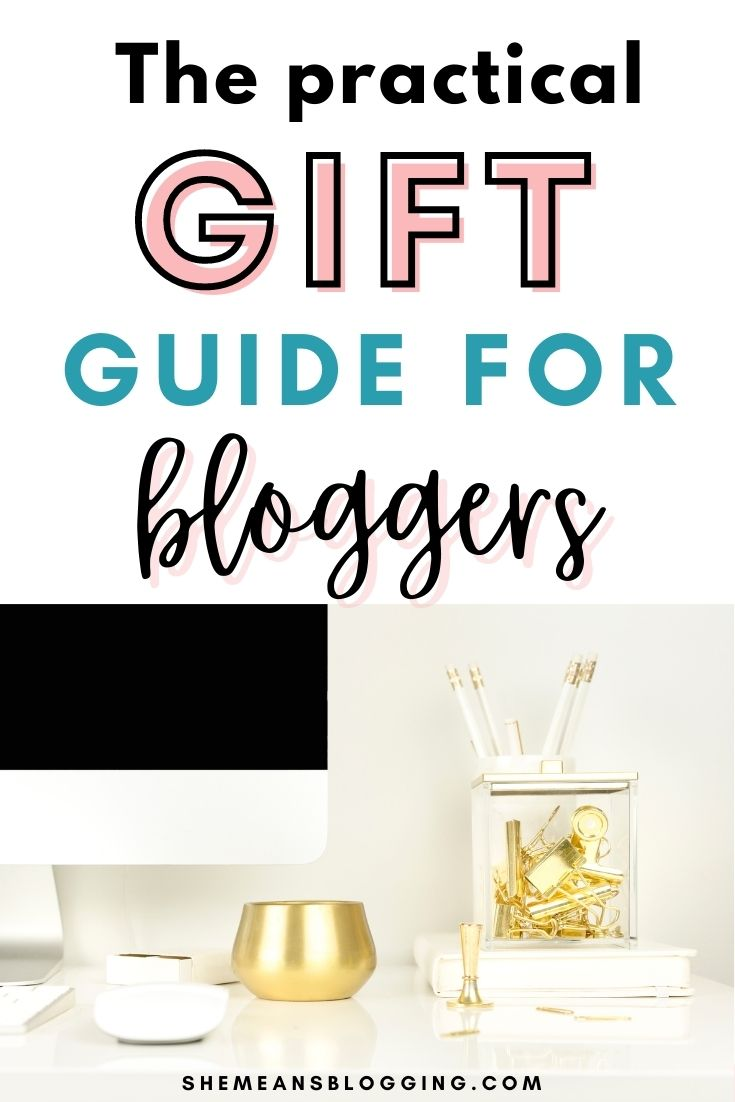 A blogger's gift guide. These are some really simple and cool gift ideas for bloggers. A practical gift guide for bloggers. Find the best gift ideas for bloggers, entrepreneurs and online business owners. #giftideas