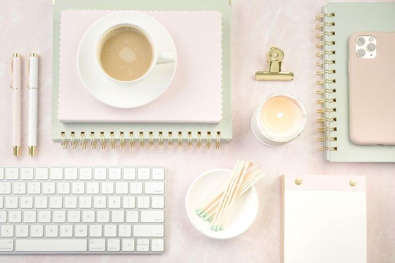 Desktop | Business | Blogging | List of facebook groups for bloggers to join