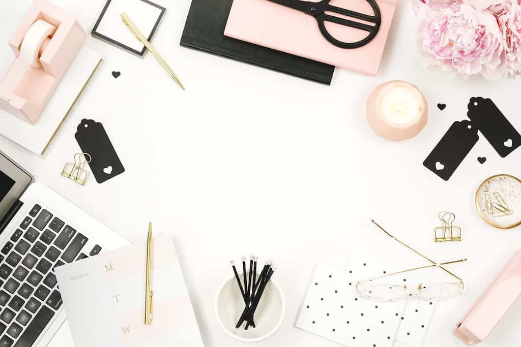 motivational quotes for bloggers | desktop place | workspace for bloggers
