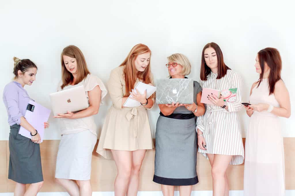 pixistock image subscription review | stock image sites for female entrepreneurs